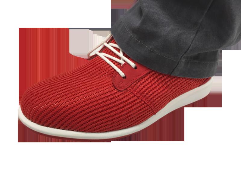 Chaussures orthopédiques rouge à lacet blanc